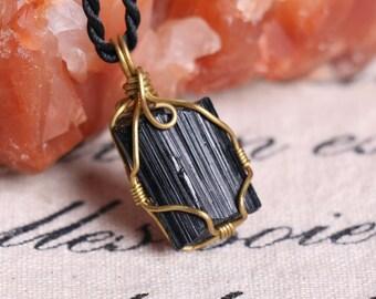 Raw Black Tourmaline Pendant,Healing Crystal Pendant ,Black Tourmaline pendants ,Black Tourmaline necklace healing + Free Jewel Case J811