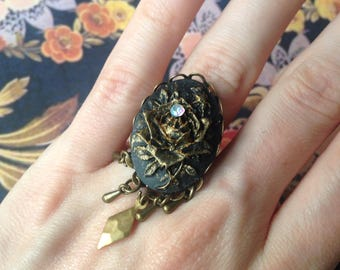 The black rose Adjustable ring