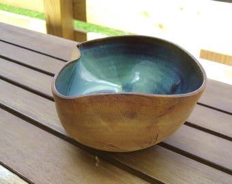 pot pour plante en grès émaillé en vert et terre brut