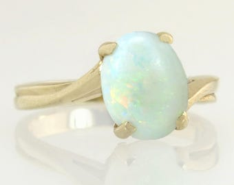 Estate 10K Yellow Gold 1.10ct Genuine Opal Engagement Ring