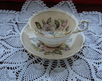 Georgous Paragon - Fine Bone China England - Vintage Tea Cup and Saucer - Cream Colored with Multicolored Sweet Peas
