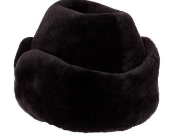 "Men's hat from sheepskin ""Pie"" in black color"