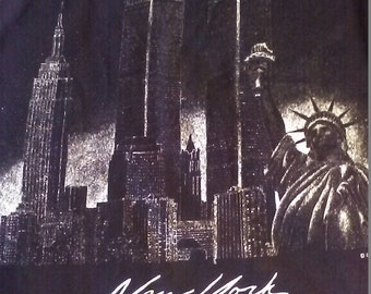 1990's New York Twin Towers t-shirt/Statue of Liberty/full moon/capital novelties/City/black size Large/9-11