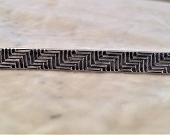Sterling Silver Zig-Zag Bar Pin