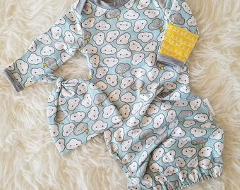 Clouds sleep sack - Newborn gender neutral baby gown - Infant baby gown - Infant sleep sack - Coming home outfit - Cute baby shower gift