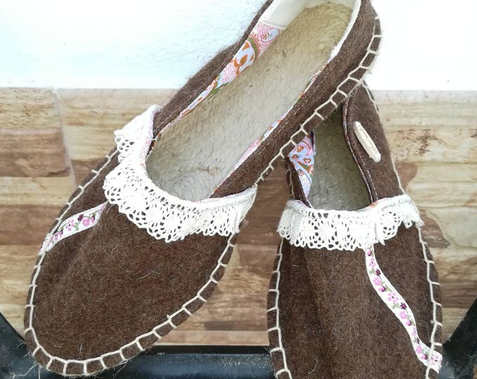 Slippers in fabric, espadrilles, Moccasins, Women's shoes, Espadrilles, wool shoes, Natural, slippers in Burel, Handmade shoes, shoe
