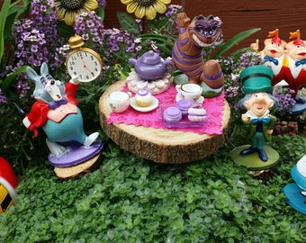 Alice in Wonderland figurines, Alice in Wonderland Garden, Alice in Wonderland minis, miniature Mad Hatter, miniature Alice, Cheshire Cat