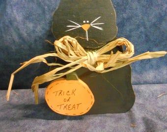 Halloween Cat and Pumpkin Shelf Sitter