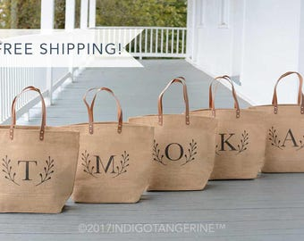 Bridesmaids Gifts | Set of Tote Bags for Bridesmaids | Bridesmaid Tote Bag | Personalized Bridesmaid Gift | Zippered Burlap bag with Pocket
