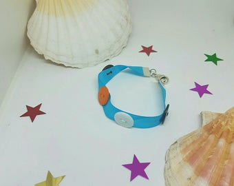 Ribbon and button bracelet