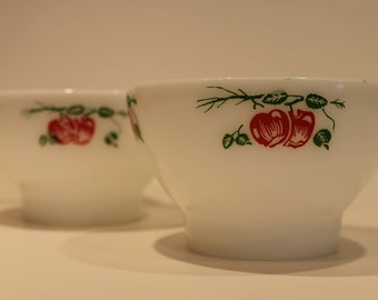 Set of 2 Termocrisa Apple Footed Bowls - Milk Glass Apple Bowls - Termocrisa Fruit Bowls - Milk Glass Cereal Bowls
