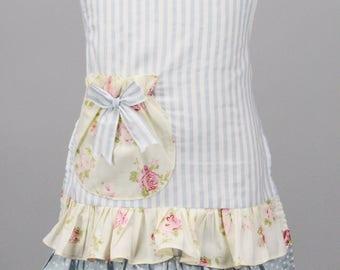womans apron. Hostess apron. Mommy and me apron. floral frill apron. ladies aprons.