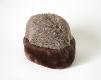 60s/70s Grey and Brown Faux Fur Cossack Hat - Russian Hat - Winter Hat - Russian Style - Fake Fur Hat - Cossack Hat - Size Small
