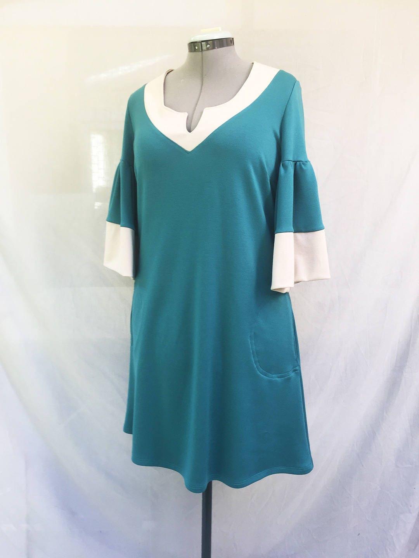 robe vert meraude et blanc cass en jersey milano robe. Black Bedroom Furniture Sets. Home Design Ideas