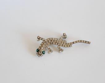 Little lizard brooch