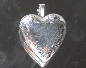 Vintage Sterling Silver Heart Locket Pendant M66