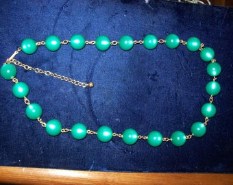 Vintage Moonglow Lucite Kelly Green Moonglow Large 8 mm Beaded Necklace 22 to 26  Inches Long