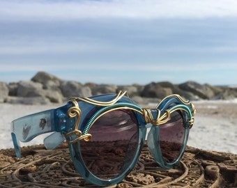 RETRO Blue CLaSSiC SunGlasses Women, Artisan Gold Wire Wrapped, Sun Glasses,  SPUNGLASSES, Mod Vintage New Sunglasses Eyewear Eyeglass