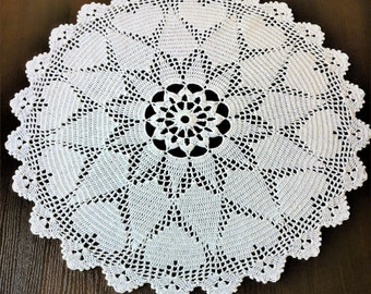 Table mat - Centerpiece Doily - Round table cover - Vintage style -Vintage style Kitchen coasters - decor vases - crochet.