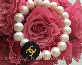 Vintage Pearl Beaded Bracelet   Designer, GOLD, BLACK, PEARL, stretchy, Designs by Laurel Leigh