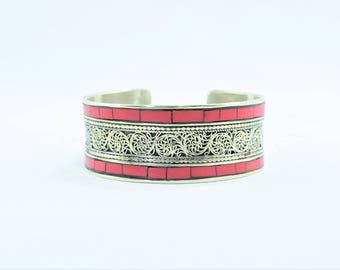Ethnic Tibetan bracelet filigree and coral