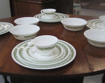 Corelle Spring Blossom/Crazy Daisy 20 piece set - dinner plate, luncheon plate, cups and saucers, and cereal bowls - 4 each