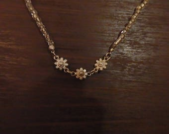 Clear Glass Beaded Necklace with Silver Daisy Beads