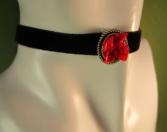 Red rose necklace, red rose jewellery, rose choker, red choker necklace, black choker necklace, paper flower jewelry, paper flower necklace