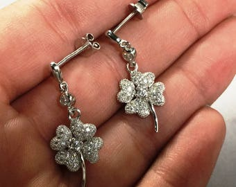 925 Sterling silver sparkly flower earrings