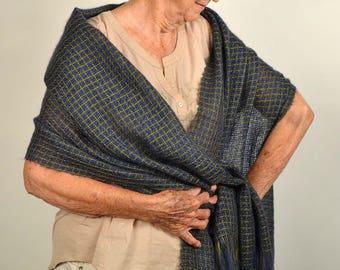 Handwoven shawl, blue and green. Summer shawl. Handwoven kidmohair pashmina wrap. Silky indigo shawl.