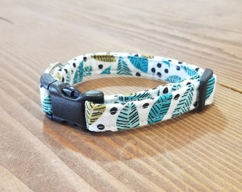 Blue and Green Leaf with Black Polkadots Pattern Dog Collar