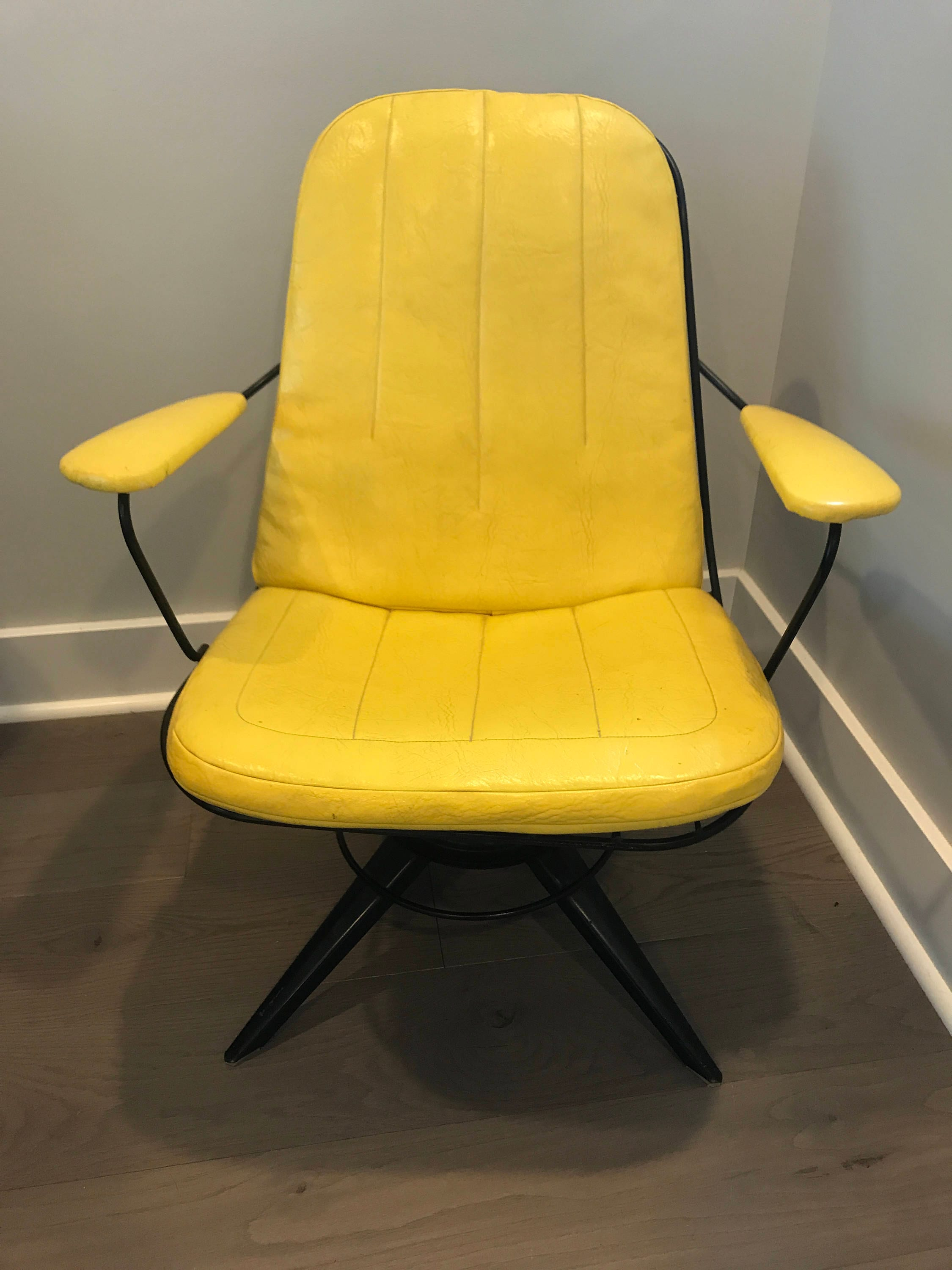 Homecrest Chair with Original Cushions Midcentury Modern