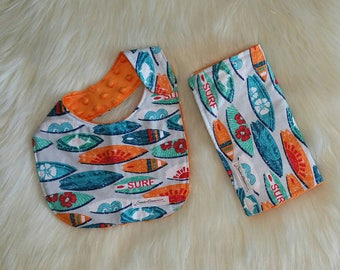 Burp cloth and bib set, Flannel burp cloth and bib, Surf board baby bib and burp cloth set, Baby gift set, Baby shower gift
