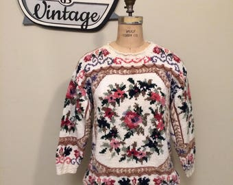 Light Rose Floral Vintage Sweater with Long Sleeves | Crystal-Kobe | Size Medium | White Pink Green | Couch Floral | Light Floral