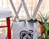 """100% linen bag with silkscreened black heart """"Salute"""""""