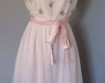 50s Light Pink Nightgown with Embroidered Roses