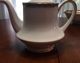 Royal Albert Paragon Elgin Teapot