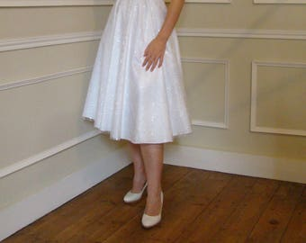Vintage 50s white tulle embroidered satin style wedding dress size XS