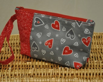 Mini clutch (hearts aplenty)
