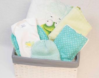 Baby Gift Basket, Baby Gift Basket, Baby Shower Gift, Baby Clothing, Unisex