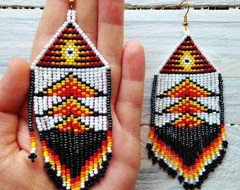 Native american beaded earrings, native seed beads, earrings with fringe, long earrings, beaded earrings, red earrings, mexican earrings