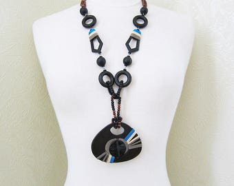 Vintage wood necklace Wooden necklace Boho necklace Bohemian jewellery Tribal necklace Vintage necklace African jewellery Vegan necklaces