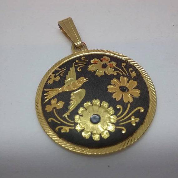 Damascene on 14K chain,  Damascene Pendant, Black and Gold Amito Disc 14K chain, Vintage Black and Gold Amito Disc Necklace, Damascene