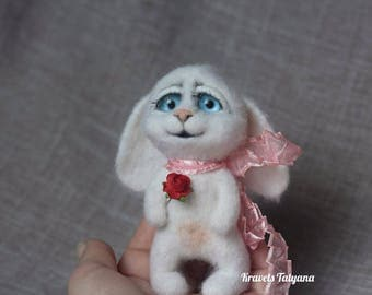Needle felted white bunny, needle felted animal, Felted bunny, Little bunny, soft sculpture, wool figurine, felt hare, felt toy, home decore