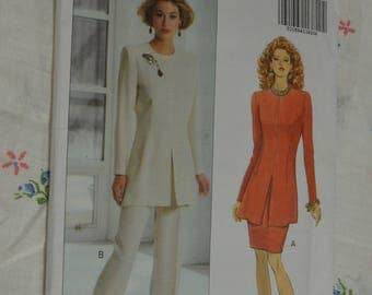 Butterick 6267  Misses / Misses Petite  Top Skirt and Pants Sewing Pattern - UNCUT - Size 6 8 10 or Size 12 14 16
