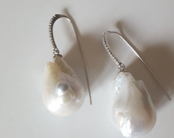 Baroque pearls earrings
