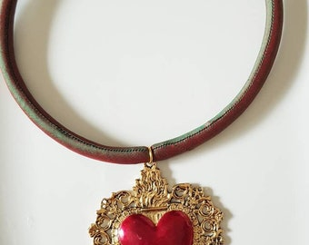 Neck Sacred Heart