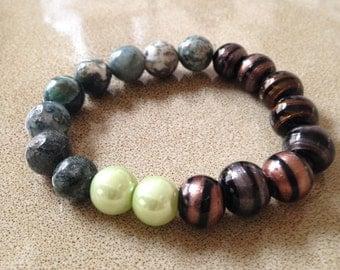 Stone and glass beaded stretchy bracelet