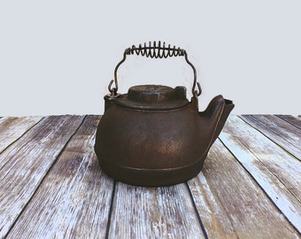 Vintage Wagner Ware Cast Iron Tea Kettle | Primitive