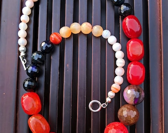 Multicolor Agate Necklace. Healing Natural Gemstone Beaded Necklace.